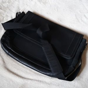 Wilsons Leather Bags - Wilsons Leather tablet bag